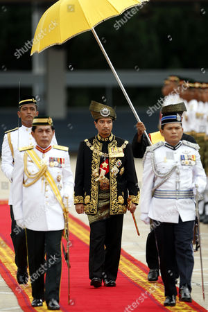 Mizan Zainal Abidin Malaysia's outgoing King, Sultan Mizan Zainal Abidin, center, inspects guard of honor during his official farewell ceremony at Parliament Square in Kuala Lumpur, Malaysia, . Mizan Zainal Abidin, who was proclaimed the Malaysia's 13th king on Dec. 13, 2006 for a five-year rotation period, completed his reign on Monday