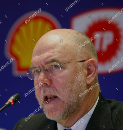 Stock Image of Malcolm Brinded Malcolm Brinded of Royal Dutch Shell speaks during the signIng ceremony of exploration and production sharing agreements between Turkey's TPAO and Shell companies covering the areas of Antalya off shore/Souteast Anatolia region, in Ankara, Turkey