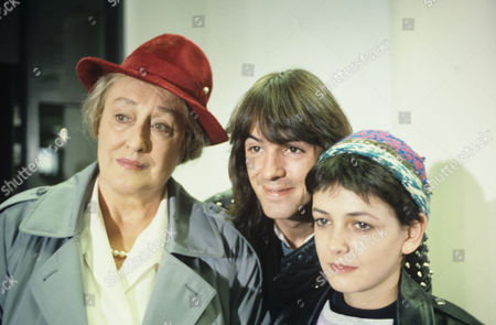 Elizabeth Spriggs with Neil Morrissey and Emma Wray in 'Boon' - 1990 'The Tender Trap'