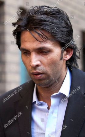 Former Pakistan cricket bowler Mohammed Asif arrives late for the match fixing case at Southwark Crown Court in London, . Salman Butt and Mohammad Asif, together with Pakistan teammate Mohammed Amir, are accused of conspiring with agent Mazhar Majeed to bowl deliberate no-balls in a test against England. Butt and Asif deny the charges