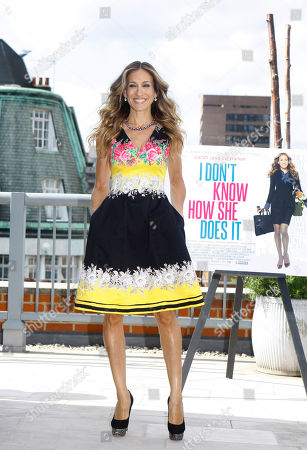 Sarah Jessica Parker American actress Sarah Jessica Parker poses for photographers at a photocall for her new film 'I Don't Know How She Does It' in London, . Sarah plays the part of Kate Reddy in a film based on the best selling novel by Allison Pearson