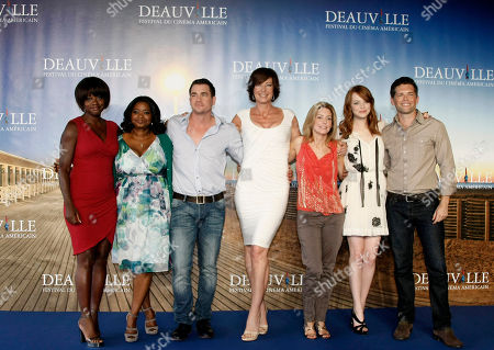 "Viola Davis, Octavia Spencer, Tate Taylor, Allison Janney, Kathryn Stockett, Emma Stone, Mike Vogel Left to right, U.S actress Viola Davis, U.S actress Octavia Spencer, U.S Director Tate Taylor, U.S actress Allison Janney, U.S screenwriter Kathryn Stockett, U.S actress Emma Stone, and U.S actor Mike Vogel pose for a photocall for their film ""The Help"" during the 37th American Film Festival in Deauville, Normandy, France"