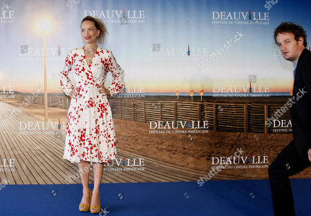 """Victoria Mahoney, Jason Clarke U.S Director Victoria Mahoney and U.S Actor Jason Clarke pose during a photocall for their film"""" Yelling to the Sky"""", at the 37th American Film Festival in Deauville, Normandy, France"""