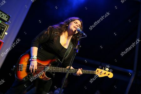 Michele Stodart (bass, vocals) of The Magic Numbers