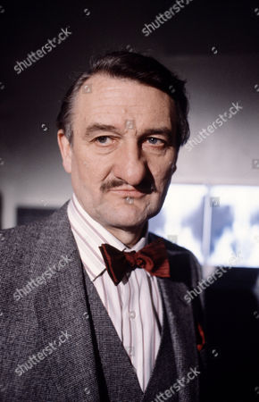 Peter Jeffrey in 'Tales Of The Unexpected' - 1982 Episode:'The Skeleton Key'