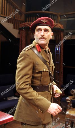Mark Tandy as Michael Wentworth