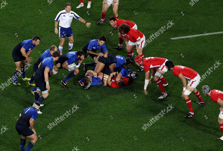 Lionel Nallet France's Lionel Nallet, holding ball, runs forward after receiving the ball following a tackle during their Rugby World Cup semifinal at Eden Park, Auckland, New Zealand