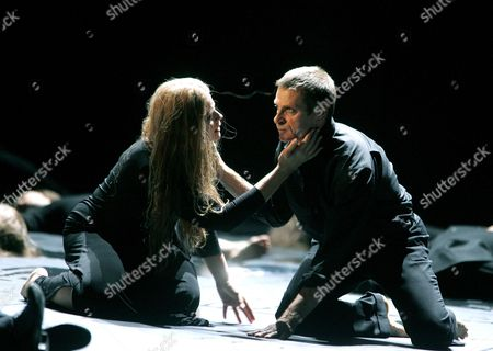 'Iphigenie en Tauride' - Susan Graham ( Iphigenie ) and Simon Keenlyside ( Oreste )