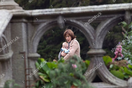 'The Baby War' - 2005 Intent on regaining her son by whatever menas, Lauren [Gina McKee] tricks her way into Pierce O'Carrolls house and takes baby Adam [Daisy & Phoebe Tomlinson].