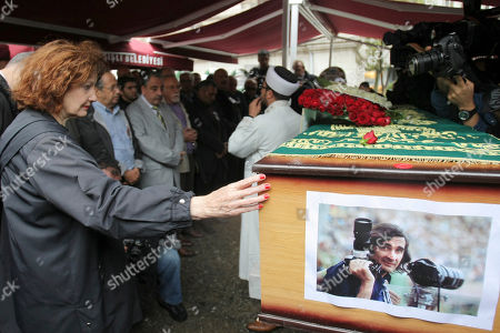 Phyllis Springer American journalist Phyllis Springer, left, attends the funeral prayers of photojournalist Goksin Sipahioglu, who founded the photo agency Sipa, at Tesvikiye Mosque in Istanbul, Turkey, . Sipahioglu was 84 when he died in Paris last week. Born in Turkey, Sipahioglu captured everything from the tense days in Havana during the Cuban Missile Crisis to the French riots of May 1968. In 1973, he and his companion, Springer, founded Sipa, which is named for him. The two married in 2002