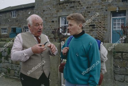 Arthur Pentelow (as Henry Wilks) and Craig McKay (as Mark Hughes) (Episode 1559 - 23rd May 1991)