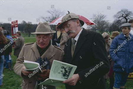 Arthur Pentelow (as Henry Wilks) and Stan Richards (as Seth Armstrong) (Episode 1559 - 23rd May 1991)