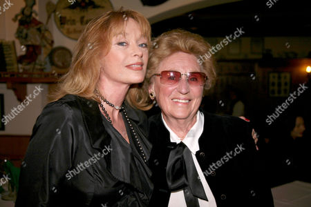 Sybil Danning with her mother Elisabeth Scholz