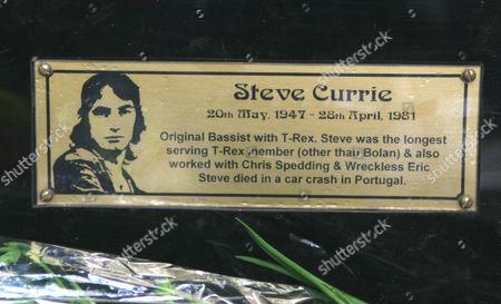 Memorial plaque to Steve Currie