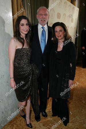 Amanda Goldberg, Leonard Goldberg and Wendy Goldber