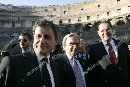 Stock Image of Gianni Alemanno, Diego Della Valle, Giancarlo Galan From left, Rome Mayor Gianni Alemanno, Italian magnate Diego Della Valle and Italian Culture Minister Giancarlo Galan arrive for a press conference at the Colosseum, Rome, to present the restoration of the monument