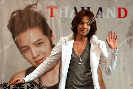 Jang Keun-suk South Korean singer Jang Keun-suk poses during a press conference in Bangkok, Thailand, a day before his show