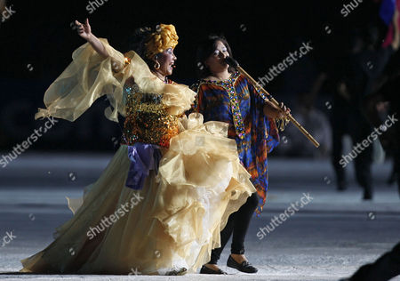 Toto La Monposina Colombia's singer Toto La Monposina, left, performs during the opening ceremony of the U-20 World Cup soccer championship in Barranquilla, Colombia