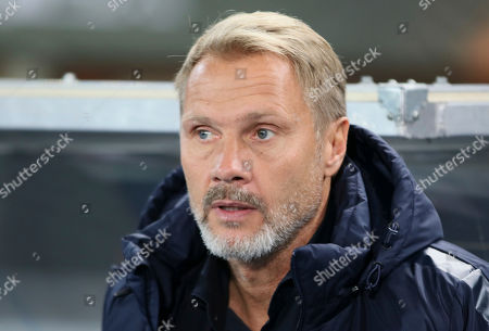 Vienna coach Thorsten Fink looks on prior to the Europa League group E soccer match between FK Austria Vienna and AS Roma in Vienna, Austria