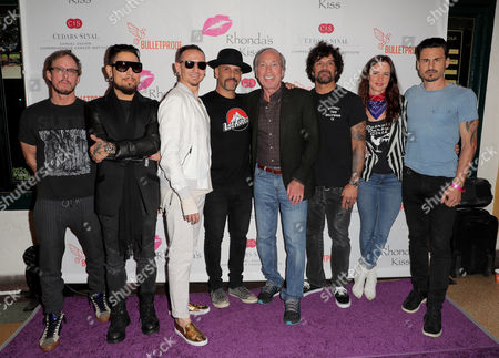 Scott Shriner, Dave Navarro, Chester Bennington, Dave Kushner, Rhonda's Kiss' Marc A. Stefanski, Joey Castillo, Juliette Lewis and Brad Wilk