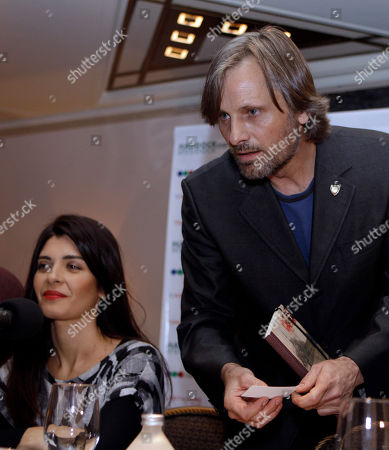 "Viggo Mortensen, Soledad Villamil Actors Viggo Mortensen, right, from U.S., and Soledad Villamil, from Argentina, attend a joint press conference to announce their new film ""Todos tenemos un plan"" in Buenos Aires, Argentina"