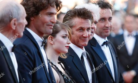 Heinz Lieven, Liron Levo, Eve Hewson, Sean Penn, David Byrne, Paolo Sorrentino From left, actors Heinz Lieven, Liron Levo, Eve Hewson, Sean Penn, musician David Byrne and director Paolo Sorrentino arrive for the screening of This Must be the Place at the 64th international film festival, in Cannes, southern France