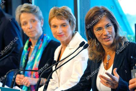 Stock Image of Emma Marcegaglia, Laurence Parisot, Helen Alexander Italy's Emma Marcegaglia President of Confindustria, Industrialists and businessmen association, right, and French head of MEDEF, Laurence Parisot, center, England's Helen Alexander President of the CBI (Confederation of British Industry) as they address the media during a meeting at the MEDEF, employers' union, of the B8 Business Leaders Meeting, in Paris
