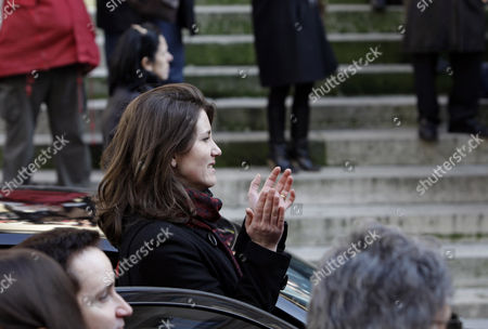Lola Vogel French actress Lola Vogel, the granddaughter of Annie Girardot, after her funeral ceremony, held at the Saint Roch church in Paris, . Annie Girardot, gravelly-voiced actress who became one of France's most enduring and acclaimed modern stars, died on Monday. She was 79