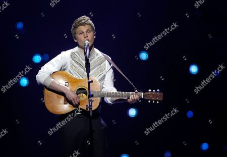 Finland's Paradise Oskar sings his song 'Da Da Dam' during the final of the Eurovision Song Contest 2011 in Duesseldorf, Germany