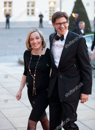 Kristina Schroeder, Ole Schroeder Pregnant German Family Minister Kristina Schroeder, left, and her husband Ole Schroeder, right, arrive for a state banquet at Bellevue Palace in Berlin, Germany, . Queen Beatrix stays for a four-days official visit in Germany