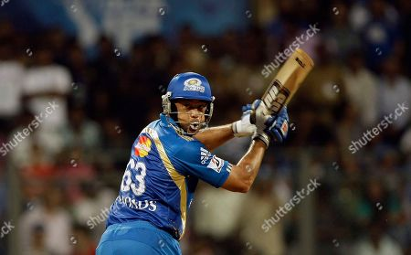 Andrew Symonds Mumbai Indians' Andrew Symonds bats during the Indian Premier League (IPL) cricket match against Pune Warriors in Mumbai, India
