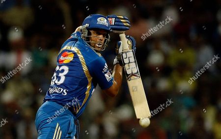 Andrew Symonds Mumbai Indians' Andrew Symonds bats during the Indian Premier League (IPL) cricket match against Deccan Chargers in Mumbai, India