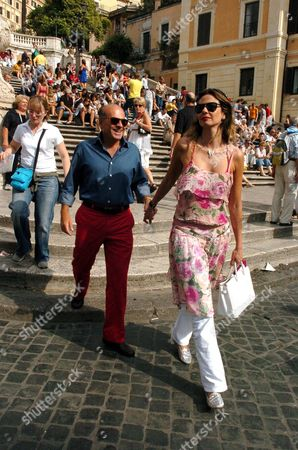 Luciana Morad and Marcelo Carvalho visiting the Spanish Steps