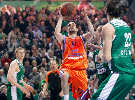 Rafa Martinez of Spain's BC Power E. Valencia scores during a Euroleague match against Lithuania's BC Zalgiris in Kaunas, Lithuania