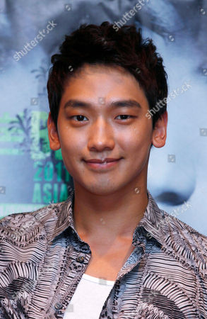 Rain, Jung Ji-hoon South Korea pop singer and movie star Jung Ji-Hoon, also known as Rain poses during a news conference in Macau . Rain will hold his concert in Macau May 14