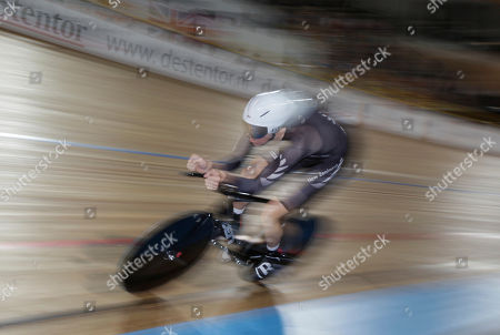 Jesse Sergent of New Zealand competes to set the second fastest time in the qualifying session of the men's individual pursuit event during the Track Cycling World Championships in Apeldoorn, central Netherlands