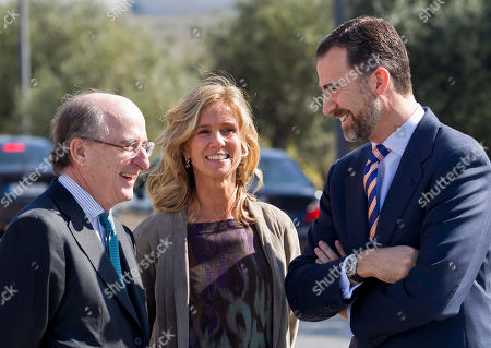 Prince Felipe, Cristina Garmendia, Antonio Brufau Repsol president Antonio Brufau, left, Spain's Science and Innovation minister Cristina Garmendia, center and Spain's Crown Prince Felipe talk while waiting for the arrival of Britain's Prince Charles to tour the Repsol Technology Center on the outskirts of Madrid, . Prince Charles is on an official visit Spain