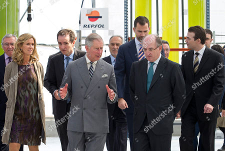 Prince Charles, Prince Felipe, Cristina Garmendia, Antonio Brufau Britain's Prince Charles, centre left speaks with Repsol president Antonio Brufau, centre right in the presence of Spain's Science and Innovation Minister Cristina Garmendia, left and Spain's Crown Prince Felipe, background, centre right, visit a greenhouse in the company of Spain's Science and Innovation minister Cristina Garmendia, right during a tour of the Repsol Technology Centre on the outskirts of Madrid, . In the greenhouse are energy-rich triterpenoids in Euphorbia, a potential crop for third generation biofuels Britain's Prince Charles and his wife Camilla arrived in Spain on an official visit, the second leg of a three-country trip which also takes in Portugal and Morocco