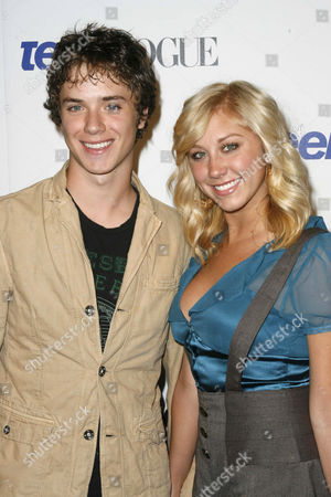 Stock Image of Jeremy Sumpter and Alyssa Tabit