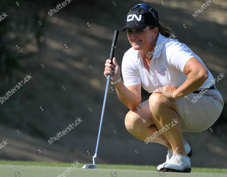 Canada's Lorie Kane lines up a putt the first day of the Dubai Ladies Golf Tournament, in Dubai on