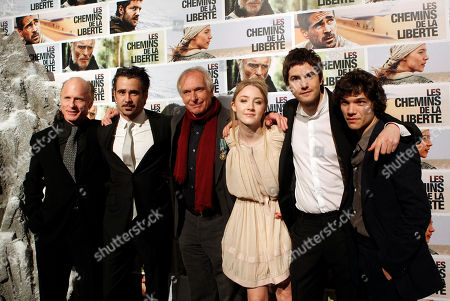 "Ed Harris, Colin Farrell, Peter Weir, Saoirse Ronan, Jim Sturgess, Sebastian Urzendowsky From left, U.S. actor Ed Harris, Irish actor Colin Farrell, Australian film director Peter Weir, U.S. born actress Saoirse Ronan, British actor Jim Sturgess and Sebastian Urzendowsky pose before the screening of the French premiere of ""the way back"", in Paris"