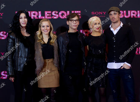 "Cher, Kristen Bell, Steven Antin, Christina Aguilera, Cam Gigandet US actresses Cher, Kristen Bell, director Steven Antin, actress Christina Aguilera and US actor Cam Gigandet, from left to right, pose for a photo call for the movie ""Burlesque"" in Berlin, Germany"