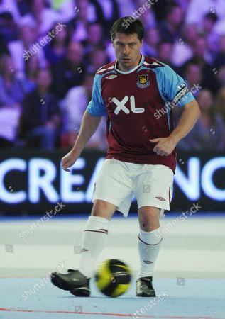 West Ham's Tony Cottee