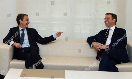 Jose Luis Rodriguez Zapatero, Niall Ferguson Jose Luis Rodriguez Zapatero, left talks with Harvard University historian Niall Ferguson at the start of a meeting at the Moncloa Palace in Madrid