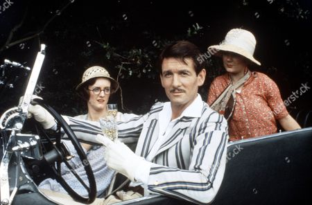 Stock Image of 'The Seven Dials Mystery' - 1982 Sarah Crowden, James Warwick and Henrietta Baynes