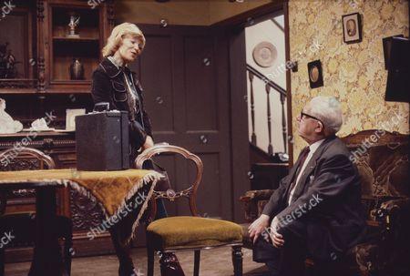 Suzan Farmer (as Sally Robson) and Jack Howarth (as Albert Tatlock)