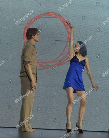 Michael C Hall as Newton, Amy Lennox as Elly