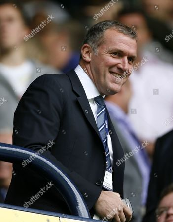 Manchester City's Chief Executive Garry Cook is seen before their English Premier League soccer match against Tottenham Hotspur at White Hart Lane in London, . (AP Photo/Akira Suemori) ** NO INTERNET/MOBILE USAGE WITHOUT FOOTBALL ASSOCIATION PREMIER LEAGUE(FAPL)LICENCE. CALL +44