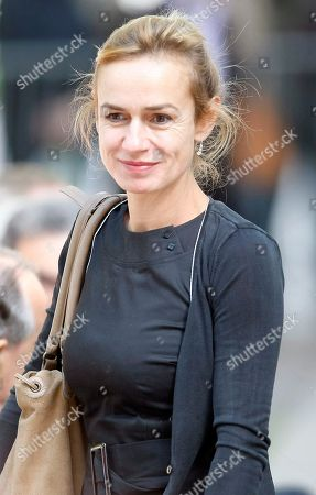 Sandrine Bonnaire Actress Sandrine Bonnaire arrives for a public homage to late French director Claude Chabrol at the Cinematheque Francaise in Paris . Chabrol, one of the founders of the New Wave movement whose films probed the latent malice beneath the placid surface of bourgeois life died Sunday Sept. 12, 2010 at the age of 80