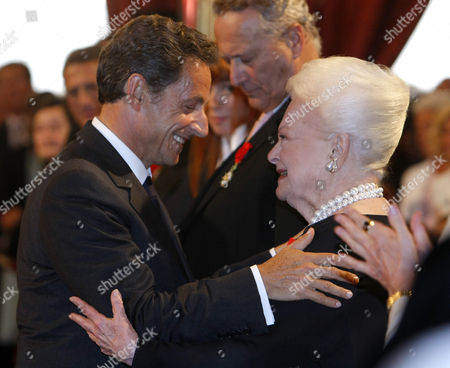 Olivia de Havilland, Nicolas Sarkozy French President Nicolas sarkozy, left, with Japan born, British actress Olivia de Havilland, after she was awarded the Knight of the Legion of Honor, at the Elysee Palace in Paris, in Paris